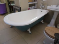 Large Reclaimed Roll Top Bath