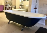 Reclaimed & Restored Original Roll Top Bath