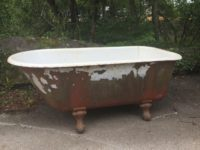 Tiny Roll Top Bath