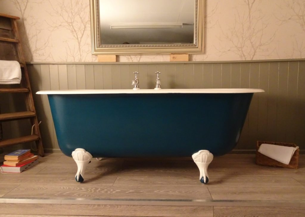 French Antique Roll Top Bath