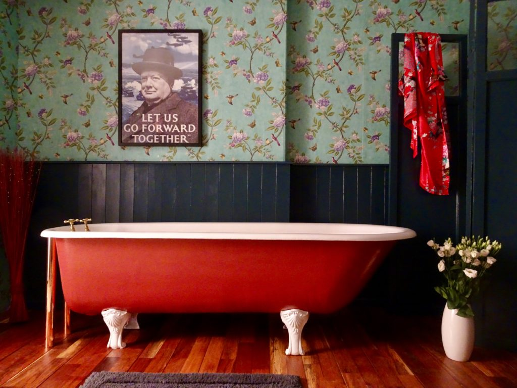 Original Roll Top Bath