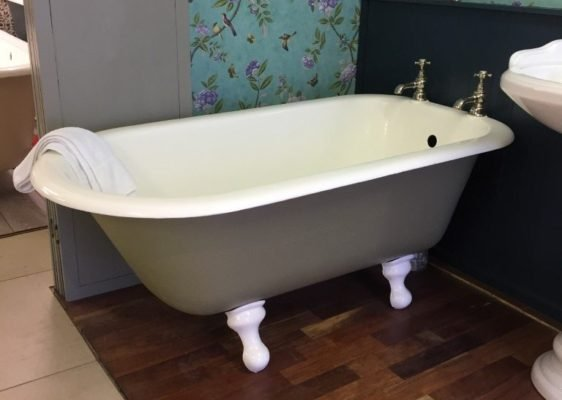 Small Original Cast Iron Roll Top bath