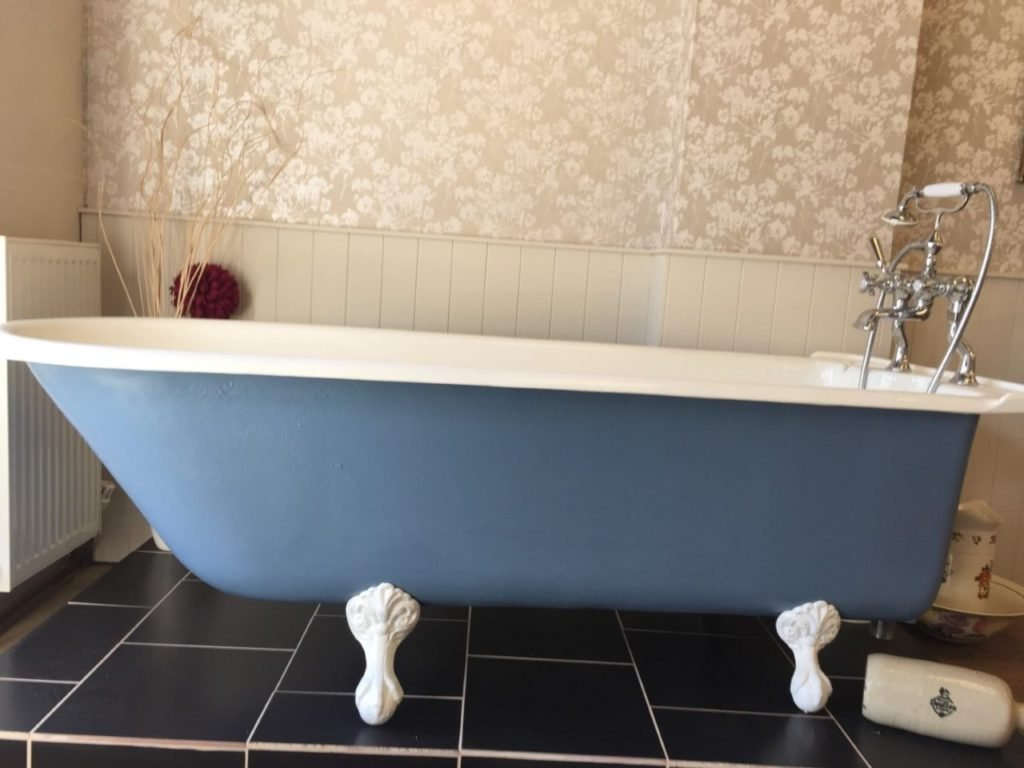 Broadmere cast iron bathtub