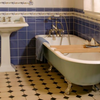Vctorian cast iron bath