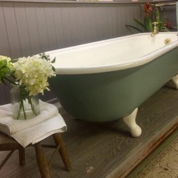 Staverton roll top antique bath