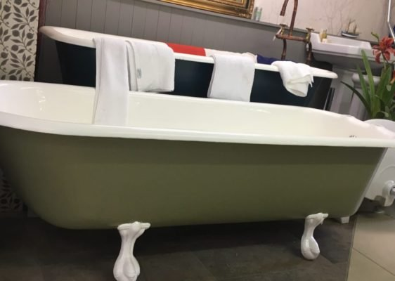 Wadebridge cast iron Bath